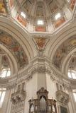 Интерьер купола собора Зальцбурга (Австрия) стоковые изображения rf