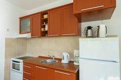 Интерьер кухни в частной квартире Стоковое фото RF