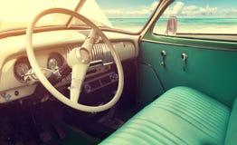 Интерьер классического винтажного автомобиля Стоковое Изображение RF