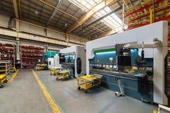 Интерьер магазина механической обработки Современное промышленное предприятие стоковые изображения rf