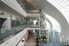 Интерьер международного аэропорта Дубай Стоковые Изображения