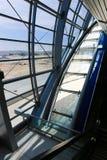 Интерьер металла современного офисного здания Стоковое фото RF