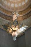 Интерьер мечети Абу-Даби грандиозный Стоковое фото RF