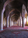 Интерьер мечети Molk ol Nasir, Шираза стоковые изображения rf