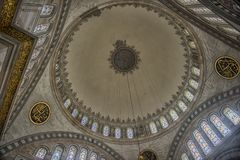 Интерьер мечети Nuruosmaniye, Стамбула, Турция, Стоковое Изображение RF