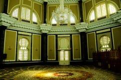 Интерьер мечети Ubudiah на Kuala Kangsar, Perak, Малайзии Стоковая Фотография