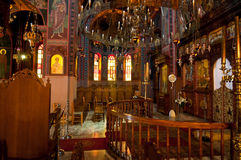 Интерьер монастыря Panagia Kalyviani 25-ого июля в ираклионе на острове Крита, Греции 2005 архитектурноакустически коробок искусс стоковые изображения