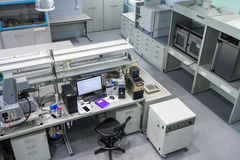 Интерьер новая лаборатория для исследования месторождений нефти сланца Стоковое Фото