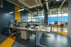 Интерьер новая лаборатория для исследования месторождений нефти сланца Стоковые Фотографии RF