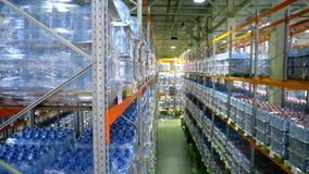 Интерьер нового большого и современного склада
