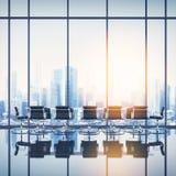Интерьер офиса с городским пейзажем Стоковая Фотография RF