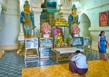 Интерьер святыни виска Thatbyinnyu, Bagan, Мьянмы Стоковое Фото