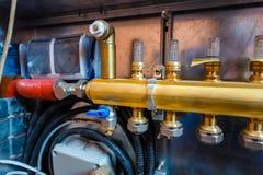 Интерьер системы отопления пола воды стоковые фото