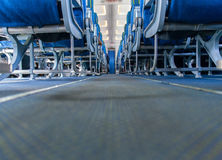 Интерьер, сиденье пассажира и междурядье самолета стоковое фото rf