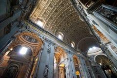 Интерьер собора Питер святой в Ватикан Стоковое фото RF