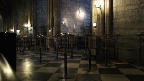 интерьер собора распятия Нотр-Дам de Парижа Иисуса видеоматериал