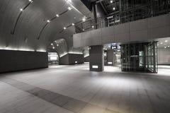 Интерьер современного здания станции Стоковые Изображения RF