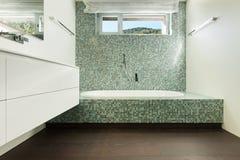 Интерьер современного дома, ванной комнаты Стоковая Фотография RF