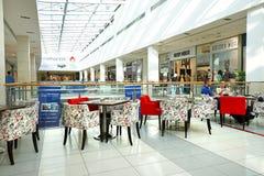 Интерьер современного торгового центра Стоковая Фотография