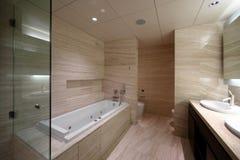 Интерьер современного туалета в европейском стиле Стоковая Фотография RF
