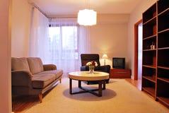 Интерьер современной квартиры в Варшаве Mokotow стоковая фотография rf