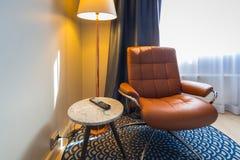 Интерьер спальни гостиницы Radisson ГОЛУБОЙ в Alesund Стоковое Фото