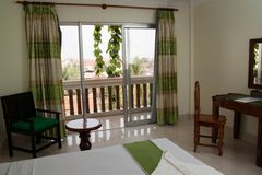 Интерьер спальни в гостиничном номере. Стоковое Изображение RF
