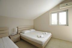 Интерьер спальни в пансионе Стоковая Фотография RF