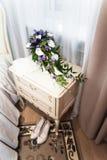 Интерьер спальни в цвете светлой сливк Стоковая Фотография RF