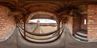 Интерьер средневекового замка на лете с голубым небом сферически панорама 3D с углом наблюдения 360 градусов Подготавливайте для  стоковое фото