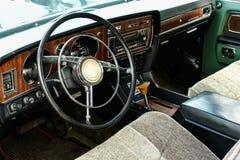 Интерьер старого винтажного автомобиля Стоковая Фотография
