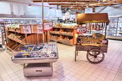 Интерьер супермаркета Италии Стоковая Фотография