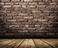 Интерьер с кирпичной стеной и деревянным полом Стоковое Изображение