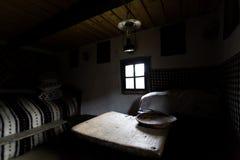 Интерьер традиционного румынского дома как замечено в музее в Maramures Стоковая Фотография