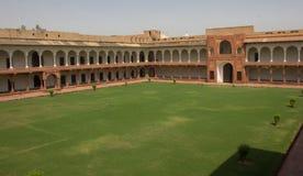 Интерьер форта в Агре, Индии стоковые фото