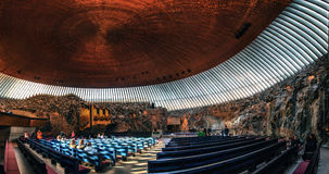 Интерьер церков утеса в Хельсинки, Финляндии Стоковые Фотографии RF
