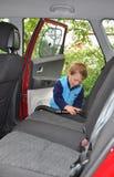 интерьер чистки ребенка автомобиля стоковое изображение rf