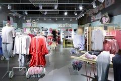 Интерьер яркого магазина нижнего белья Стоковая Фотография RF