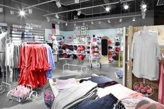 Интерьер яркого магазина нижнего белья Стоковое Изображение