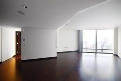 Интерьер яркой пустой комнаты стоковые изображения