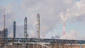 Инфраструктура промышленной электростанции, танков и куря труб Стоковые Изображения RF