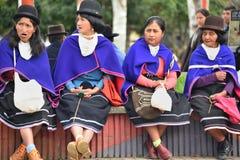 Индейцы Guanbano в рынке Silvia, Колумбии стоковые фото