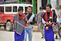 Индейцы Guanbano в рынке Silvia, Колумбии стоковое изображение