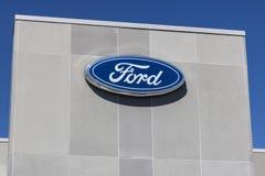 Индианаполис - около июнь 2017: Местный автомобиль Форда и дилерские полномочия XIII тележки Стоковые Изображения