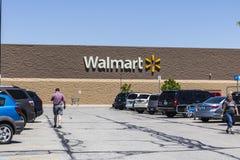 Индианаполис - около май 2017: Положение розницы Walmart Walmart американская Транснациональная компания Розница Корпорация IX Стоковое Фото