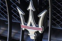 Индианаполис - около октябрь 2016: Логотип трёхзубца Maserati Maserati роскошный производитель автомобилей основанный в Италии v Стоковая Фотография RF
