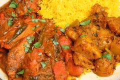 Индийская еда карри цыпленка с рисом и картошкой стоковые изображения rf