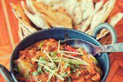 Индийская еда на таблице Стоковое Изображение RF