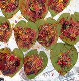Индийская еда улицы: Индеец Paan Стоковое фото RF