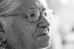 Индийская пожилая женщина Стоковые Изображения RF